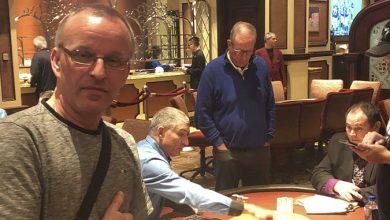 Photo of Henrik Andersen henter første cash på Bellagio i 4-vejs deal