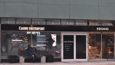 Billede af Indgangen til Casino Vesterport, med Marketing Manager Ricky Møller
